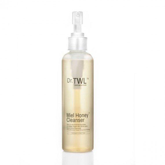 Back acne treatment: antibacterial body wash